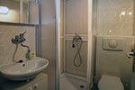 Room SILVER: bathroom